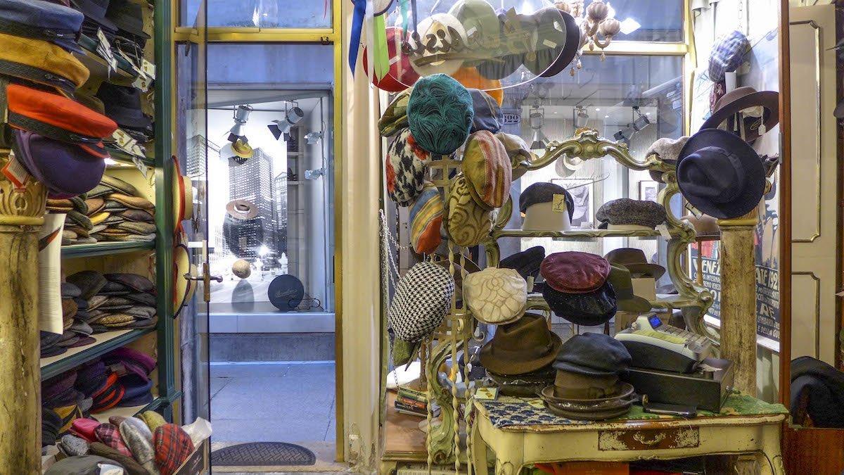 """Shopping a Venezia: gli accessori """"Made in Venice"""" più cool — Veneto Secrets"""