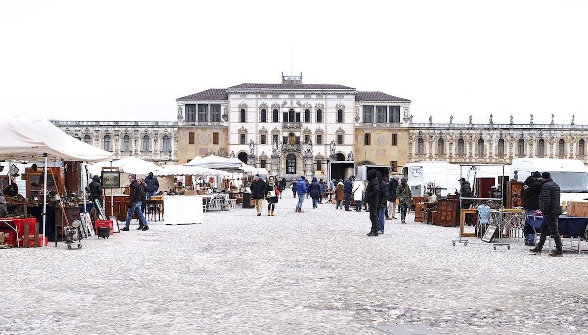 Piazzola sul Brenta: il mercatino più bello del Veneto — Veneto Secrets
