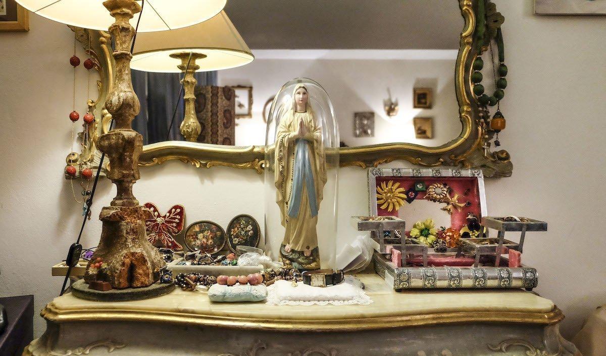 La casa museo di Giusy Moretti, l'artista delle Murrine gioiello — Veneto Secrets