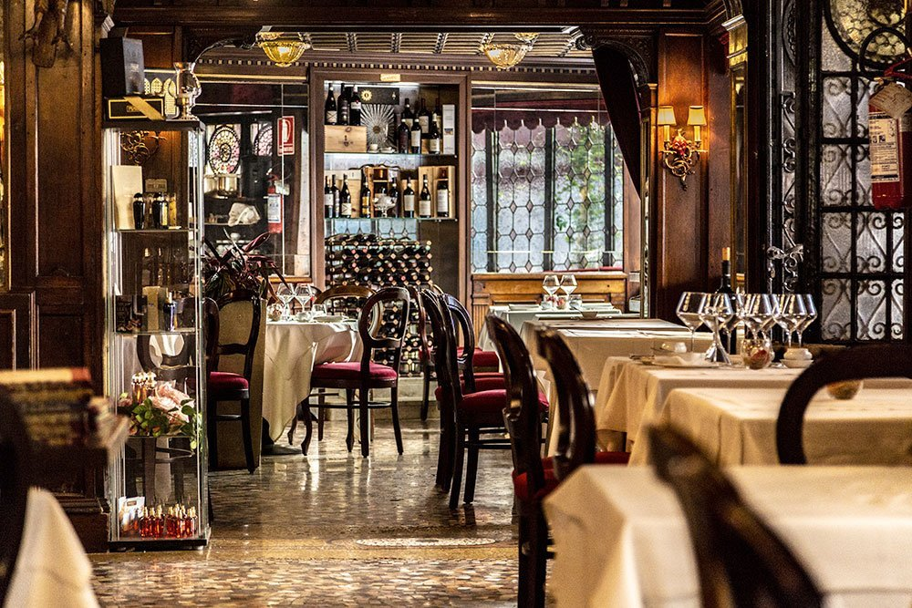 Chic Bar Taverna La Fenice (VE) — Veneto Secrets