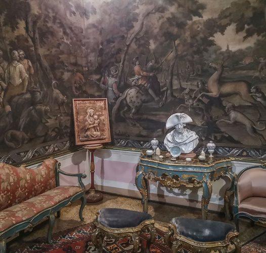 Palazzo Minucci De Carlo, la misteriosa dimora della spia volante