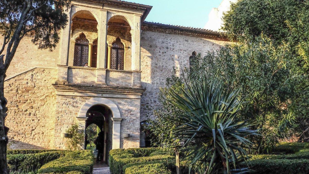 "Arquà Petrarca: the enchanted ""Borgo"" — Veneto Secrets"